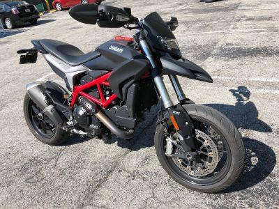 2013 Ducati HYPERMOTARD 939