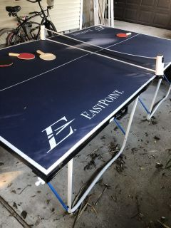Ping Pong Table with 4 paddles, balls and cover