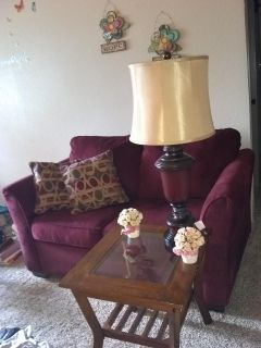 2 End Tables/ 1 coffee table / 2 matching lamps