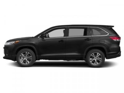 2019 Toyota Highlander LE (Midnight Black Metallic)