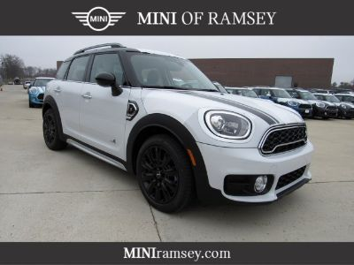 2019 MINI Countryman Cooper S (Light White)