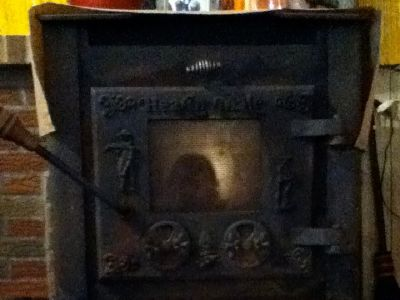 """Wood and\or Coal Stove: Hearth Mate 2400 20""""width 30""""depth 33""""height motivated seller$100 obo"""