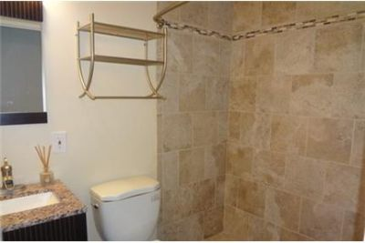 Fantastic 4 bed/3 bath home in Calverton available for May. Washer/Dryer Hookups!