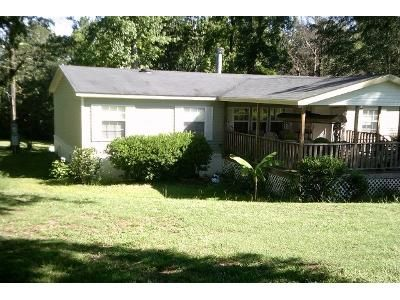 3 Bed 2 Bath Foreclosure Property in Eclectic, AL 36024 - Georgia Rd