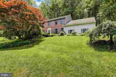 5 Woodland Manor Dr MOHNTON Four BR, With just the perfect mix