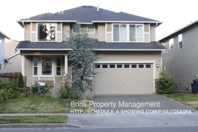 Lynnwood-Spacious 3 Bedroom Home with Garden Patio!