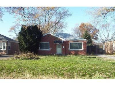 2 Bed 1 Bath Preforeclosure Property in Melrose Park, IL 60164 - Scott St