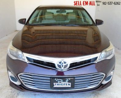 2013 Toyota Avalon XLE (Maroon Or Burgundy)