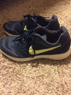6.5Y Nike shoes -PPU in Pace near five points