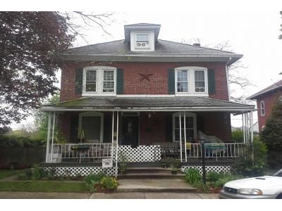 3 Bed 1 Bath Preforeclosure Property in Temple, PA 19560 - 10th Ave