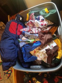 Tote of fall clothes w/snowpants