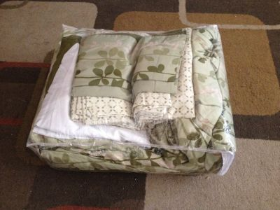 Queen size bed set in a bag