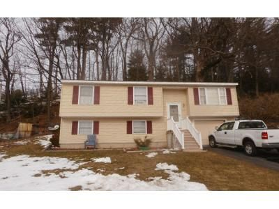 3 Bed 1.0 Bath Preforeclosure Property in Manchester, NH 03103 - Cottage Rd