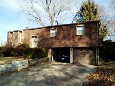 3 Bed 2 Bath Foreclosure Property in Belleville, IL 62223 - Berkshire Dr