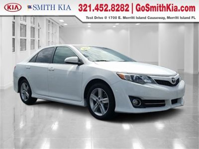 2014 Toyota Camry L (Blizzard Pearl)