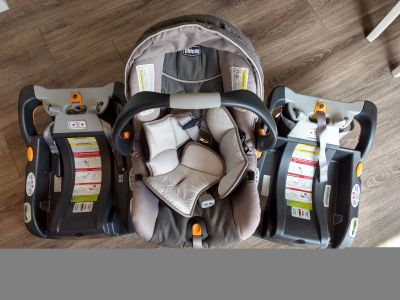 Chicco Keyfit 30 car seat / carrier and 2 bases