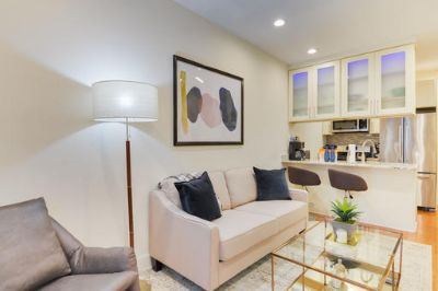 $5580 3 apartment in Capitol Hill
