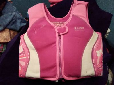 Pink Speedo Swimming Vest for Girls 4-6 yrs and weight 45-60 lbs