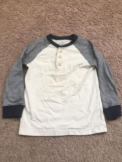 Uec bouys 4 T long sleeve Henley