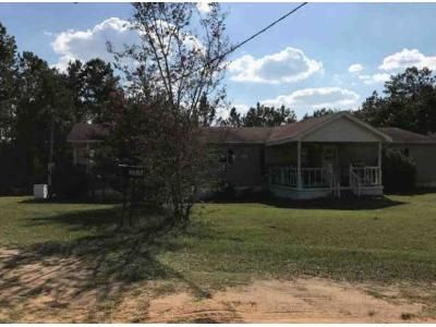 4 Bed 2 Bath Foreclosure Property in Clayton, AL 36016 - Tower Ln