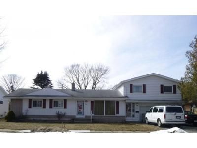 4 Bed 3 Bath Foreclosure Property in Rogers City, MI 49779 - Brege Dr
