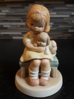 It Hurts When Fido Hurts, Memories of Yesterday Figurine (No 114561) (Retired)