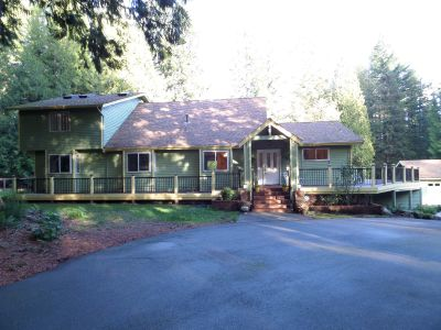 Live Large With 6 Bedrooms, 4300 Square Feet and 5 Acres in Issaquah!!