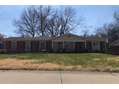 3 Bed 2.5 Bath Foreclosure Property in Florissant, MO 63033 - Club Grounds South Dr