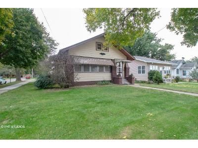 2 Bed 2 Bath Foreclosure Property in Sioux City, IA 51106 - S Clinton St