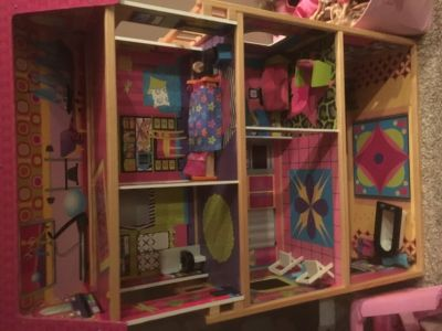 Barbie dollhouse with camper, Yaht and car.