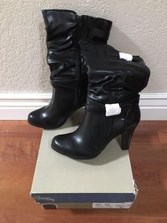 Brand New Size 8M Black Boots