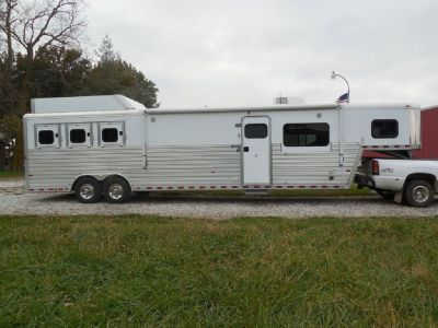 2014 Hart 3-Horse Trailer with living quarters for sale in Salisbury, Missouri.