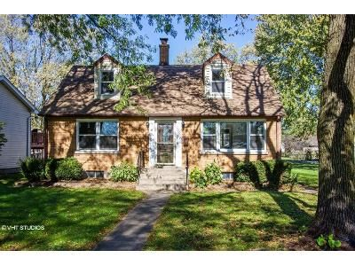 4 Bed 2 Bath Foreclosure Property in Mchenry, IL 60050 - W West Ave