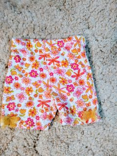 Flower/Butterfly Shorts: Girls 12 Mos