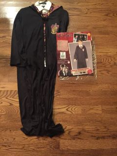 Harry Potter costume complete with shirt and tie. Large 12-14 meet or ppu in Gallatin. Retail $45