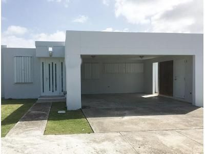 4 Bed 2 Bath Foreclosure Property in Naguabo, PR 00718 - Land 56 Calle Bethel