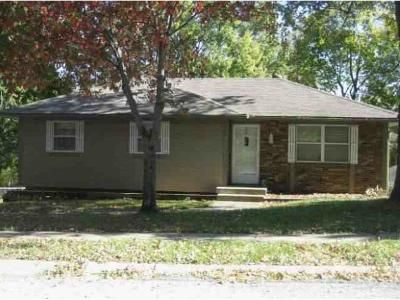 3 Bed 2 Bath Foreclosure Property in Independence, MO 64058 - N York St