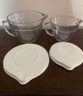 Pampered Chef measuring batter bowls with lids