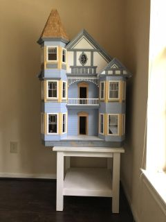 Doll house with the furniture