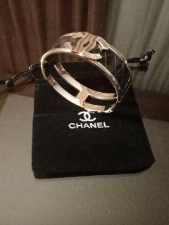 Chanrl bangle