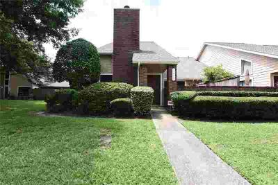 1446 Gemini Street HOUSTON, MUST SEE!! Clean and open floor