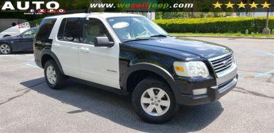 2007 Ford Explorer XLT (black white)