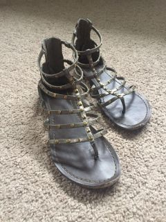 Women s sandals-size 9-a little beat up in the front of shoes