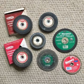 Lot of 4 Dayton Vitrified Bench Grinding Wheels & 3 Norton Masonry Cut Wheels
