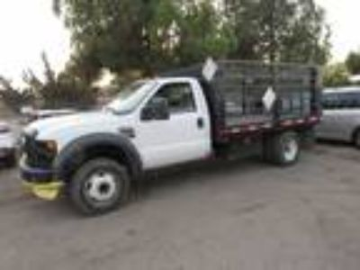 2008 Ford F-550 Regular Cab 2WD DRW White,