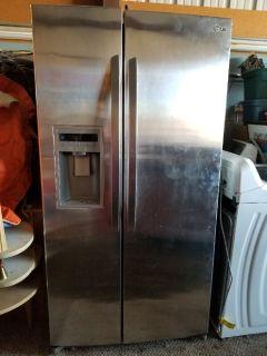 LG Refridgerator 26 cubic feet