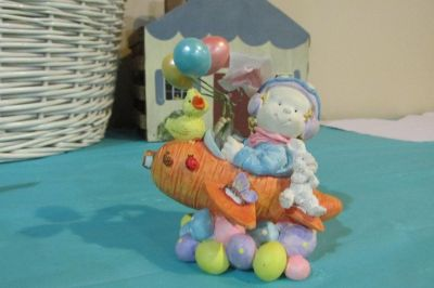 Resin Figure with Plane, Balloons, Bunny, chick and eggs