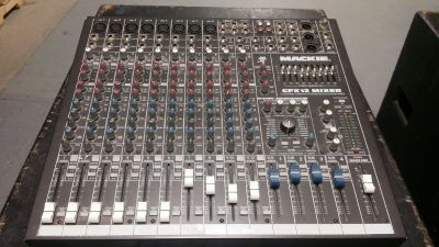 PA System Mackie Mixer