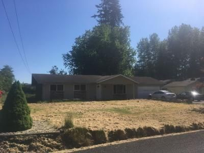 3 Bed 1.5 Bath Preforeclosure Property in Castle Rock, WA 98611 - Waters Rd
