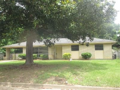 3 Bed 2 Bath Foreclosure Property in Jackson, MS 39209 - Corinth St